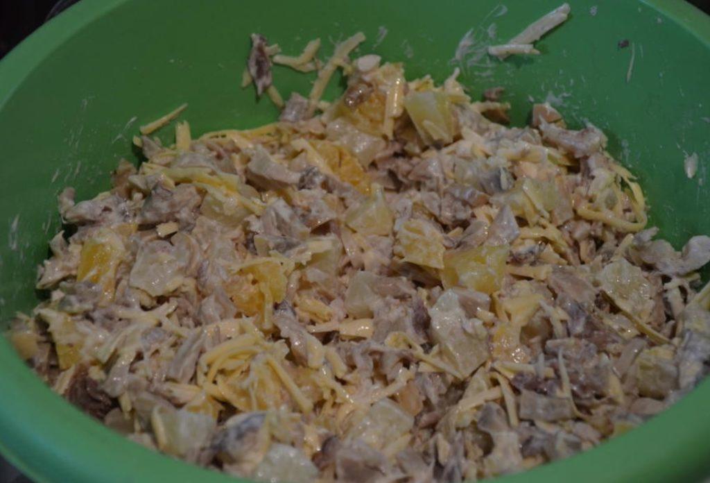 Готовим этот салат на праздники больше 20 лет: всего из трёх простых ингредиента